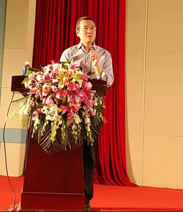 李维华博士赴新疆参与乌鲁木齐连锁协会成立仪式并出任名誉会长